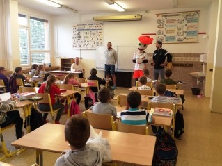 Tomáš Široký a Ondřej Hudeček prezentovali volejbal na ZŠ Konečná