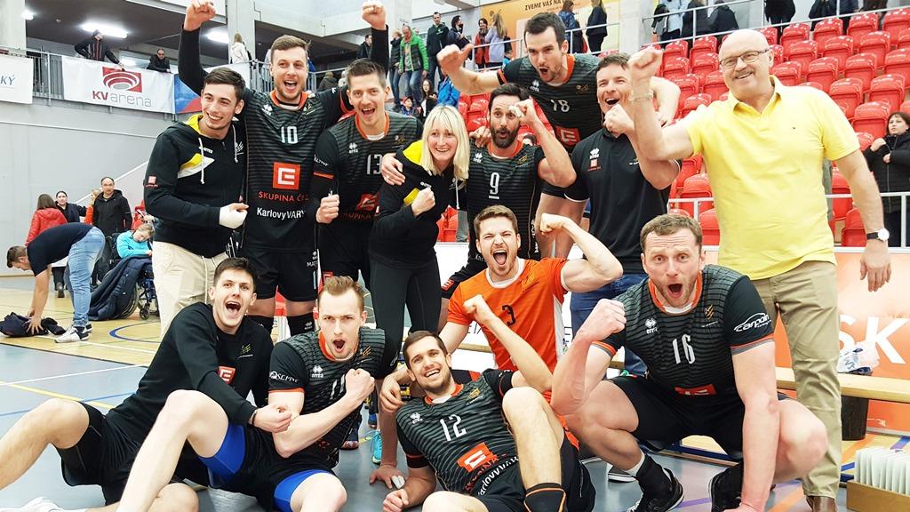 Foto: Volejbalisté Karlovarska nepustili Brno do semifinále, doma znovu uspěli