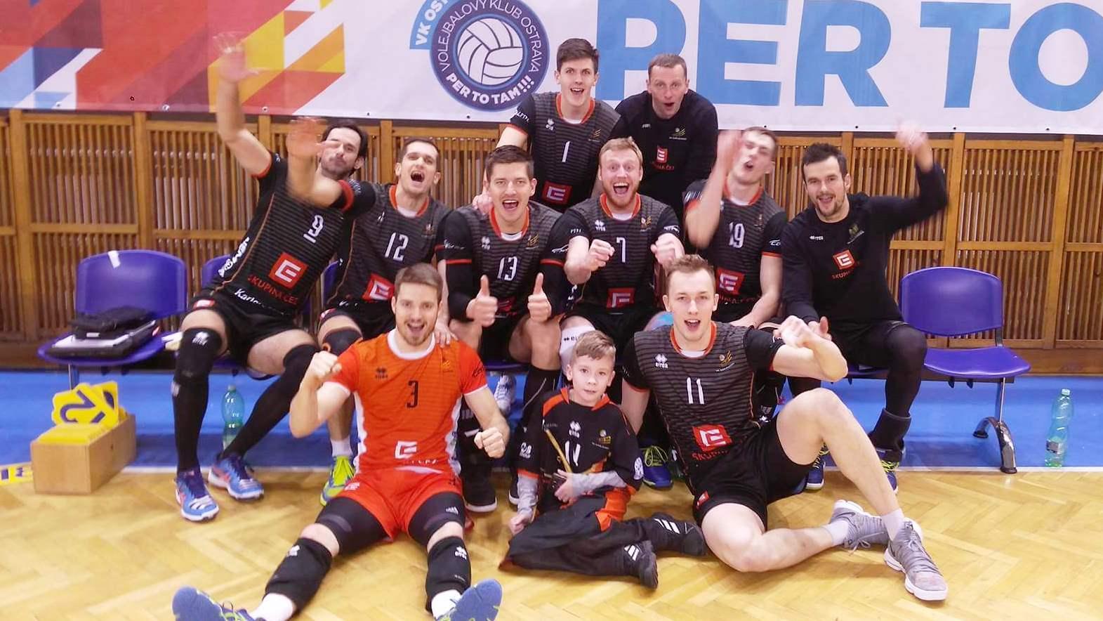 Foto: Karlovarští volejbalisté přivezli z Ostravy extraligové vítězství