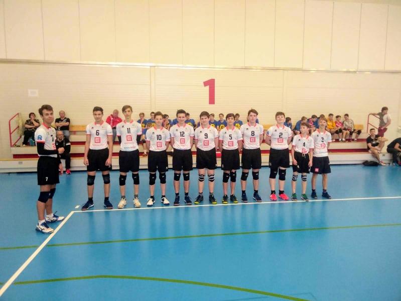 Foto: Žáci se představili na turnaji v Č. Budějovicích, stihli i finále extraligy