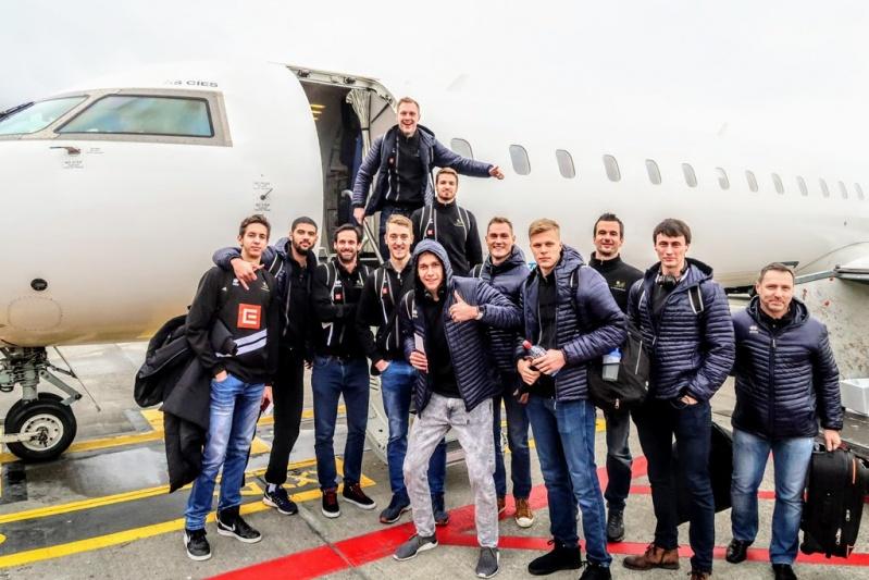 Foto: Do Itálie přes Brusel. I tak hráči Karlovarska úterní trénink zvládli