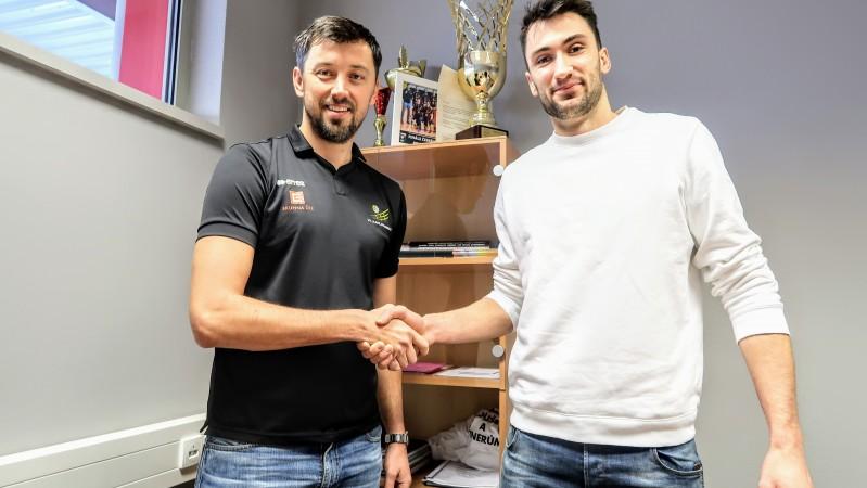 Volejbalisty Karlovarska posílil smečař z ligy mistrů světa