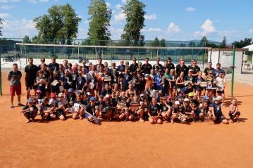 Mládí vpřed! Volejbalové Karlovarsko podporuje zdravý vývoj dětí
